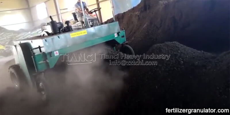 organic fertilizer walking type turner