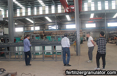 South African clients visit NPK fertilizer production process